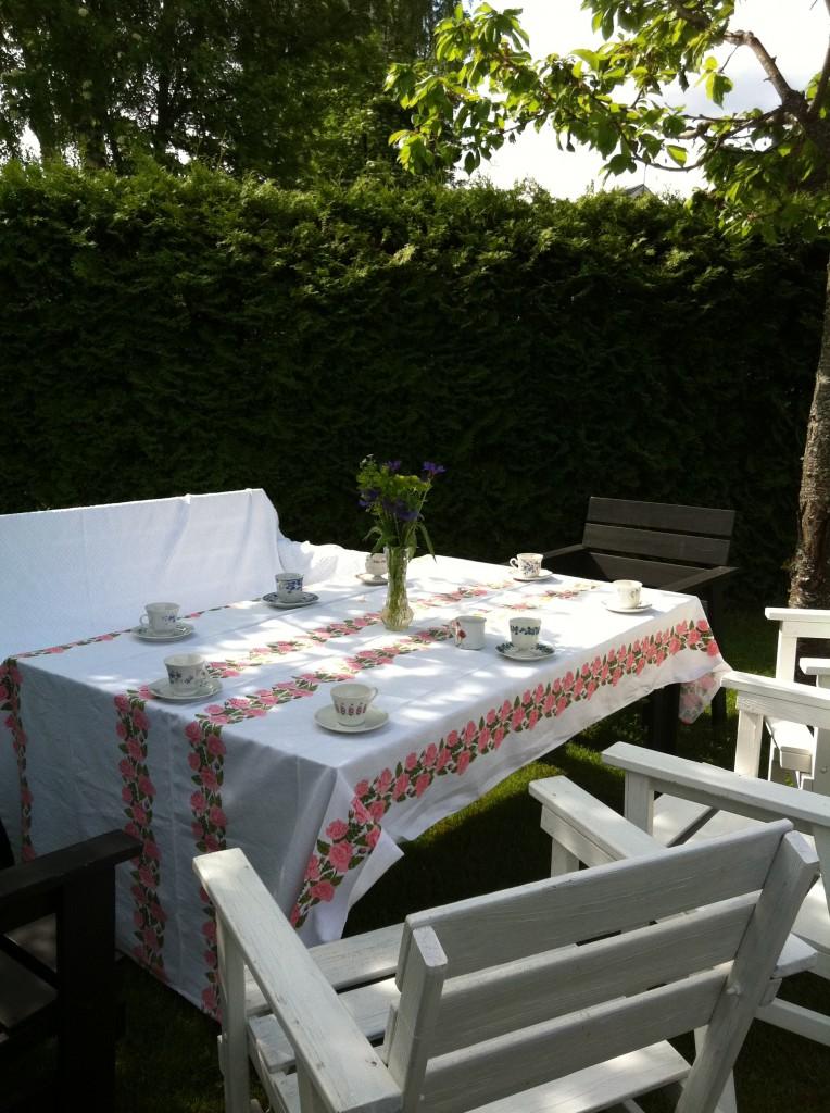 Kaffe i trädgården