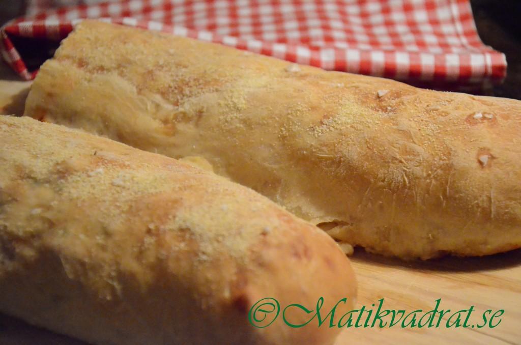 Bröd med olika fyllningar 1copyright