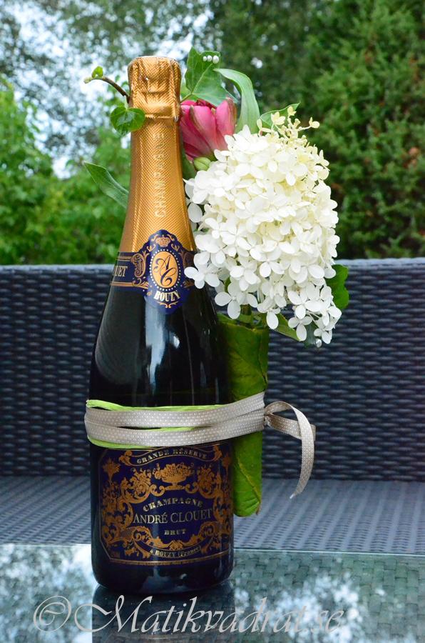 dekorerad champagneflaska2 copyright